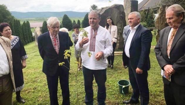 Онук Франка посадив дуб у садибі свого діда у Нагуєвичах
