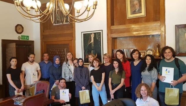 У Стамбулі студентам-україністам вручили сертифікати з нагоди закінчення другого курсу