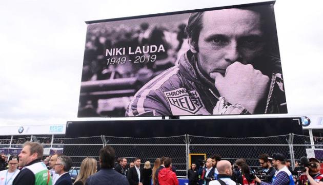 Прост і Гемілтон відвідають похорон легендарного гонщика
