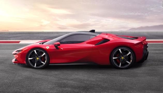Ferrari показала свій перший гібрид, що заряджається