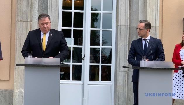 Маас и Помпео обещают поддерживать Зеленского в борьбе с коррупцией