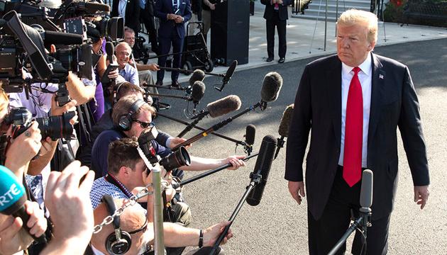 Однопартийцы Трампа обеспокоены, что коронавирус может повлиять на выборы