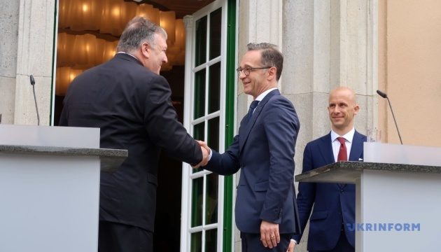 Головні дипломати США й Німеччини обговорили агресію РФ на сході України