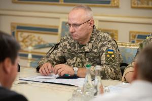 Generaloberst Chomtschak: Etwa 3000 russische Militärangehörige in besetzten Gebieten der Ostukraine
