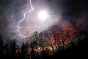 Gewitter, Sturm, Hagel: Wetterdienst warnt vor Unwetter am Montag