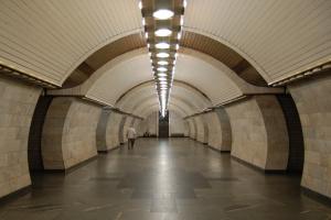 У столичному метро – збій: за проїзд не можна сплатити картками