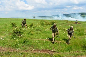 Ukrainische Fallschirmjäger nehmen an internationalen Übungen Saber Guardian-2019 teil
