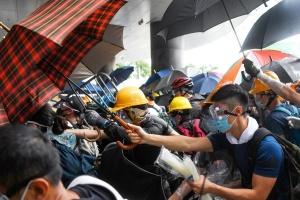 Сутички в Гонконгу: постраждали 36 осіб