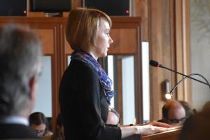 Елена Зеркаль: Мы боремся за то, чтобы Россия вернулась в рамки правового поля
