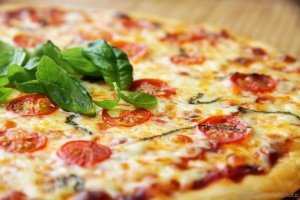 Туристів на Тернопільщині здивують найбільшою в Україні піцою