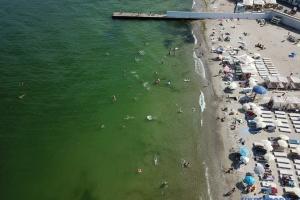 Морская вода у 19 из 22 пляжей Одессы соответствует требованиям гигиены