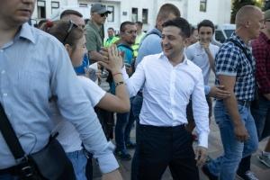 ゼレンシキー大統領、マリウポリ解放5周年を住民と祝福