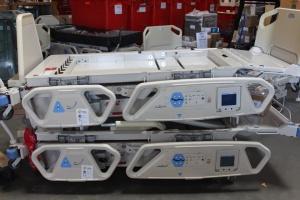 USA übergeben medizinische Geräte für Militär und Kinderkliniken - Foto