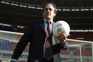 Бывшего президента УЕФА Платини допросили и отпустили