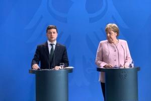 ゼレンシキー大統領とメルケル独首相が電話会談 ノルマンディ補佐官級会合につき協議