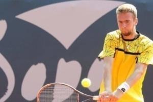 Украинец Манафов сыграет в парном полуфинале турнира в Фергане