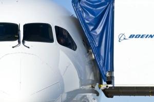 Boeing не получил ни одного заказа в первый день авиасалона в Ле Бурже