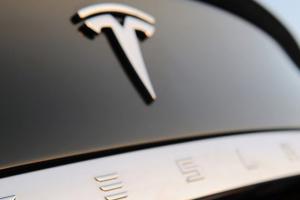 У Меркель назвали большим успехом для страны завод Tesla под Берлином