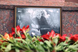 Слідство відпрацьовує три основні версії нападу на журналіста Комарова