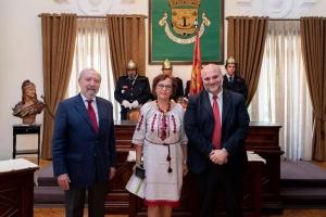 Уперше в Португалії українка отримала нагороду за допомогу мігрантам і волонтерство