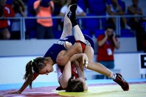 Українські борчині виграли повний комплект медалей на першості Європи серед кадетів