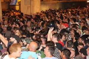 В Тбилиси освободили из-под стражи полсотни задержанных протестующих