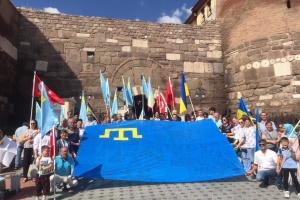"""В Анкарі пройшла акція """"Об'єднані прапором –#LiberateCrimea"""""""
