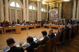 Parlamentskritischer Rat Ukraine – Nato tagt in Lwiw - Fotos