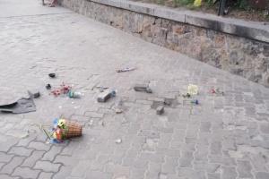 В Киеве повредили мемориал Нигояна, вандала задержали