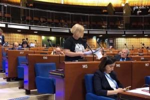 Геращенко прийшла до ПАРЄ у футболці з портретом Сенцова