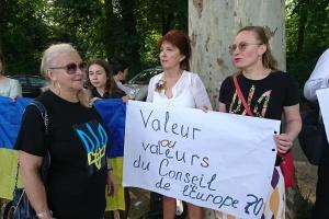 Біля Ради Європи вимагають не допустити повернення Росії у ПАРЄ