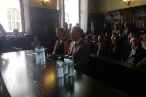 Верховний суд Австрії розглядає справу про екстрадицію Фірташа до США