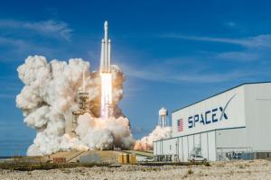 SpaceX запустила в космос генетически модифицированных мышей