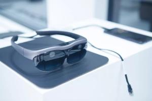 Vivo представила прототип окулярів з доповненою реальністю