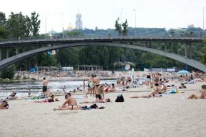 У Києві дозволили купатися на дев'ятьох пляжах