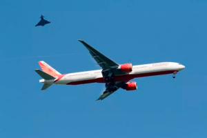 У Британії екстрено посадили літак Air India через загрозу вибуху