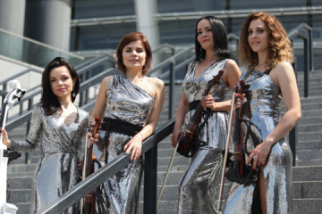 Violinistas ucranianas tocan el himno de la Liga de Campeones en Madrid  (Vídeo)