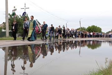 Kiril Tlyavov, âgé de 5 ans, tué par les policiers, est enterré à Pereyaslav-Khmelnytsky