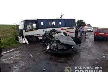 Tödliche Verkehrsunfälle in zwei Gebieten: Selenskyj gibt dem Ministerkabinett Anordnung
