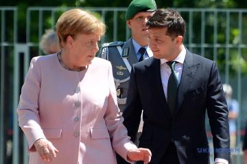 Zelensky, Merkel discuss Donbas, gas transit