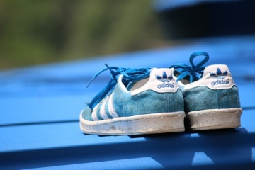 432f1cfee0a2d8 Суд відмовив Adidas у праві на три паралельні смужки