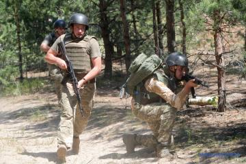 Donbass: Besatzer brechen Waffenruhe bei sieben Ortschaften, ein Soldat getötet