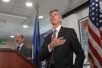Taylor destaca la de-ocupación del Donbás y la lucha contra la corrupción entre sus prioridades