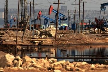 Нефть дешевеет на фоне опасений о темпах роста мировой экономики