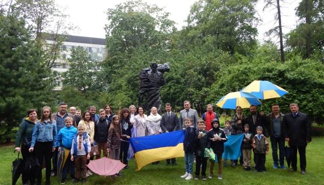 Акція, присвячена дітям кримськотатарських активістів, відбулася у Ризі
