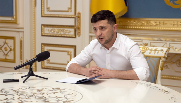 Zelensky, Yushchenko talk about peace and elections