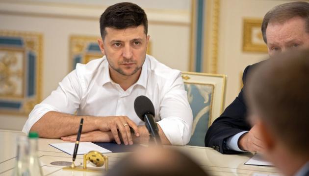 Präsident Selenskyj entlässt 15 Gouverneure