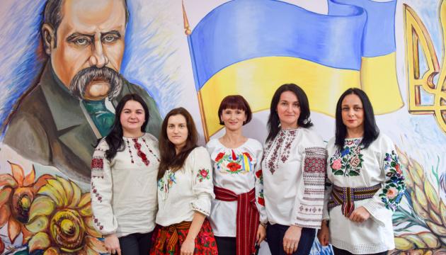 В Україні триває фотоконкурс «Руйнуючи стереотипи: Сильні жінки моєї громади»