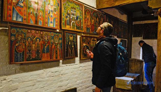 Туристів замком Радомисль водитиме аудіогід