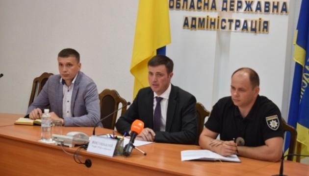 У справі про напад на черкаського журналіста Комарова допитали 1200 осіб
